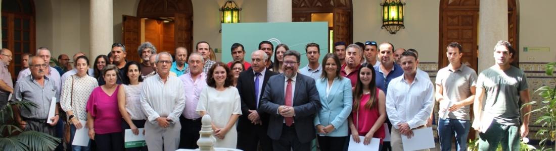 Sánchez Haro entrega las resoluciones de unos incentivos que superan los 17 millones de euros en Jaén y que se destinarán sobre todo a proyectos de olivar