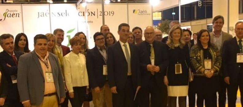 Una quincena de empresas oleícolas acompañan a la Diputación de Jaén en la World Olive Oil Exhibition