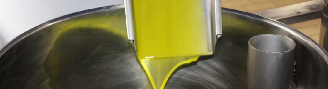 Los precios del aceite de oliva en origen siguen en su tendencia bajista en el décimo mes de campaña, en el que se retoman las movilizaciones
