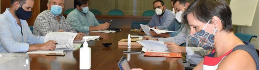Agricultura se reúne con el sector oleícola para recoger propuestas ante el inicio de la campaña de la aceituna