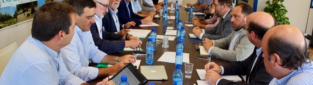 El consejero de Agricultura analiza con Asaja-Andalucía la situación del sector agrario