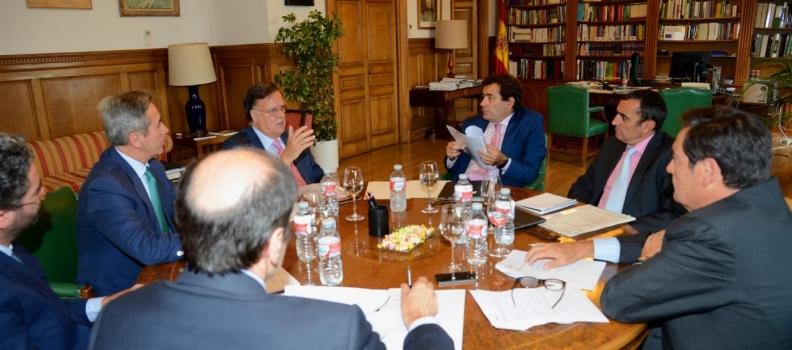 Asemesa analiza con el secretario general de Agricultura la situación del sector de la aceituna de mesa
