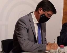 Marín ve en el acuerdo entre la Junta y la Caja Rural de Jaén como un impulso al progreso de la provincia