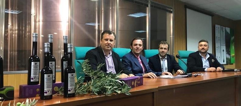 La cooperativa Ciudad de Jaén presenta sus AOVEs de cosecha temprana, un picual y un multivarietal de producción integrada