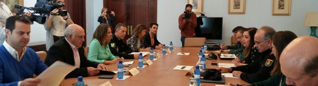 Policía de la Junta llevará a cabo labores de vigilancia y control de personas y vehículos tanto en explotaciones como en almazaras durante la campaña de la aceituna