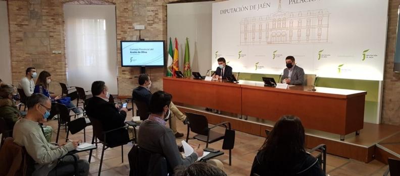 Miranda anuncia para el verano el plan estratégico nacional de la PAC, en el que tendrá reflejo el olivar tradicional y destaca la degresividad en las ayudas a partir de 60.000 euros