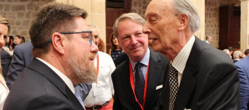 Cortijo de La Loma celebra su veinte aniversario con el reconocimiento a la excelencias de los aceites de oliva de Castillo de Canena que impulsa la familia Vañó