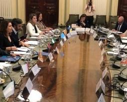 Crespo apela a la diplomacia contra los aranceles y pide a la UE revisar el precio de corte al almacenamiento privado de aceite