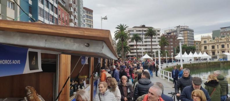 Miles de asturianos disfrutan del AOVE jiennense durante los tres días de la Fiesta del Primer Aceite de Jaén en Gijón