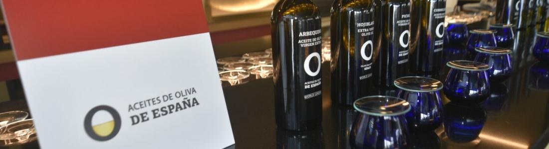 Aceites de Oliva de España e Iberia firman un acuerdo para llevar la imagen y los sabores de España por todo el mundo