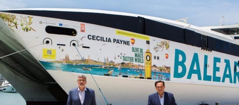 Presentada la imagen del ferry de alta velocidad vinilado con la campaña Olive Oil World Tour
