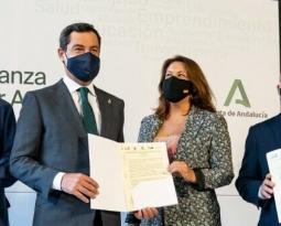 El presidente de la Junta y el sector agroalimentario firman una declaración institucional para reclamar una PAC que no lesione los intereses del campo andaluz