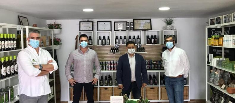El presidente de la Diputación de Jaén destaca «la decidida apuesta por la calidad» de Oleícola San Francisco