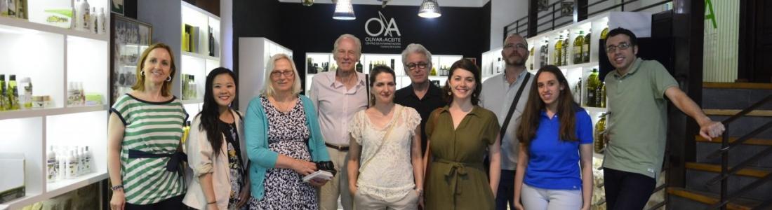 Periodistas de Canadá conocen las excelencias del mundo del olivar y del aceite de oliva
