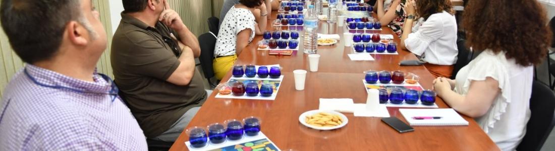 Nueva sesión del Club de Cata «Olivar y Aceite», esta vez dedicada a los aceites flavorizados-aromatizados