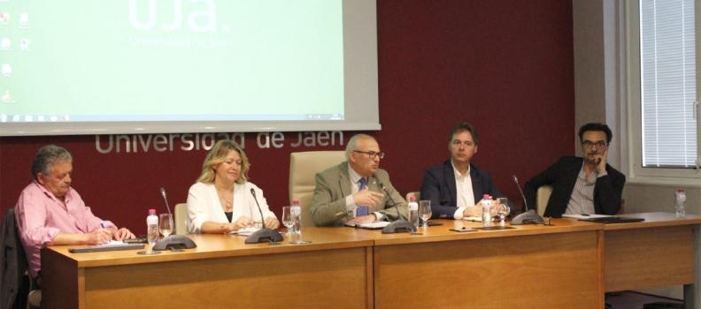 Una jornada de trabajo aborda estrategias para la comercialización de AOVE «Olivares Vivos»