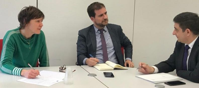 Reyes expone en Bruselas las dificultades del olivar jiennense ante la futura reforma de la PAC
