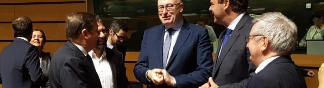 Planas traslada al Consejo de Ministros de la UE la situación que están atravesando el aceite de oliva y la aceituna de mesa
