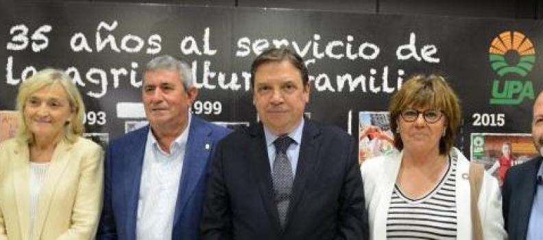 Luis Planas apuesta por la agricultura familiar como elemento clave para mantener la población en el medio rural