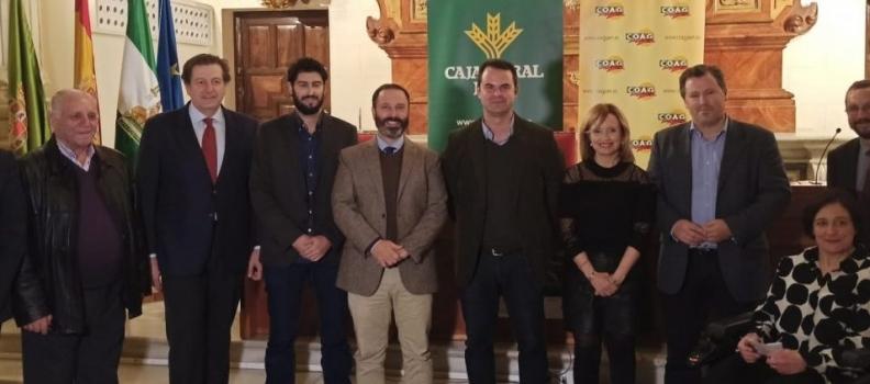 Antonio Mejías, de Cuaderno Agrario, recoge el I Premio de Periodismo Agroganadero Coag Jaén-Caja Rural