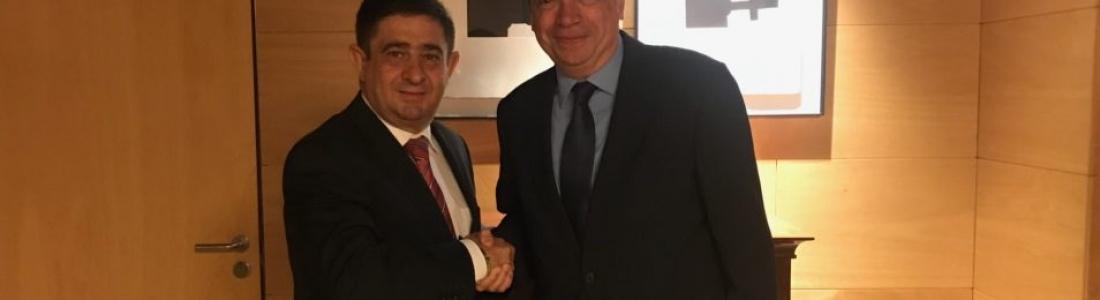 El presidente de la Diputación de Jaén aborda con el ministro de Agricultura las prioridades de la PAC post 2020
