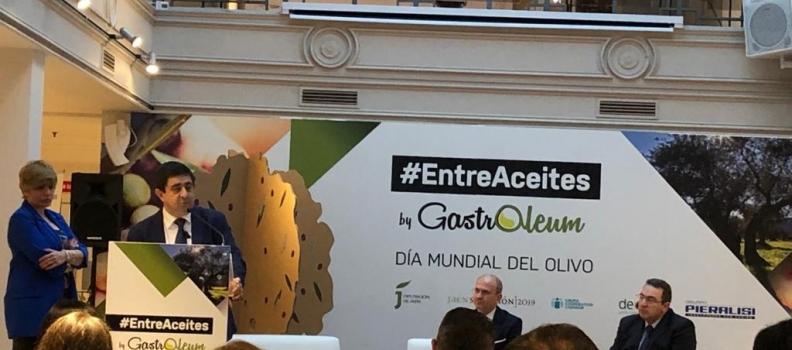 """Reyes inaugura en Madrid la jornada """"#EntreAceites"""", en la que se analizan los mercados del aceite de oliva español"""