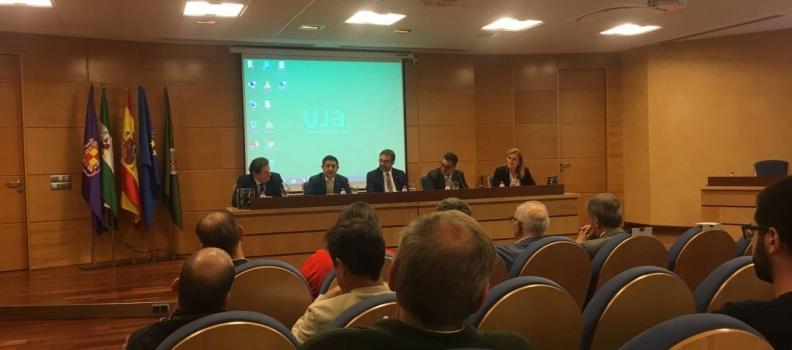 Reyes aboga en la inauguración del Máster de la UJA dedicado al olivar por seguir profesionalizando el sector oleícola