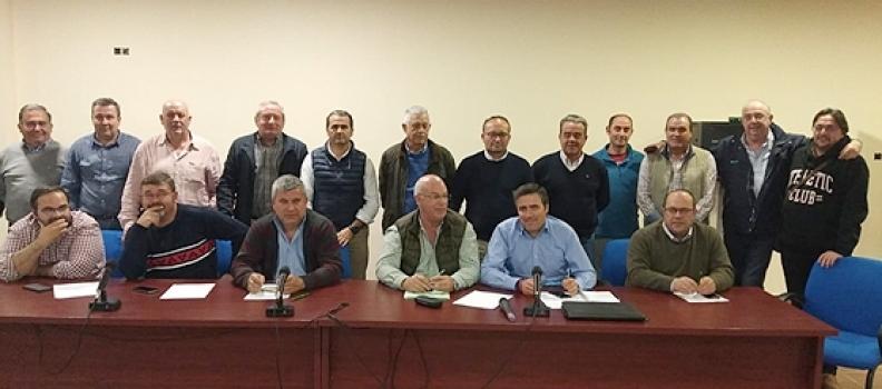 El sector olivarero analiza con los agricultores de la Sierra de Segura posibles movilizaciones en defensa del olivar en pendiente