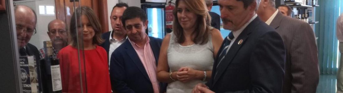 La presidenta de la Junta visita la cooperativa de aceite Virgen del Perpetuo Socorro de Alcaudete
