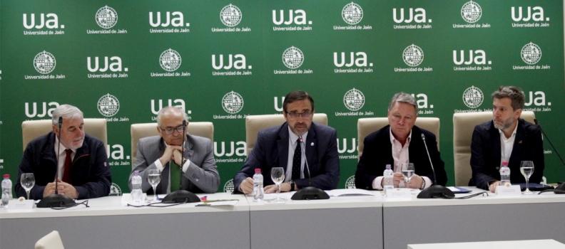 Ponen en marcha una iniciativa que lidera la Universidad de Jaén para reducir el impacto del uso de plástico de un solo uso en el sector oleícola