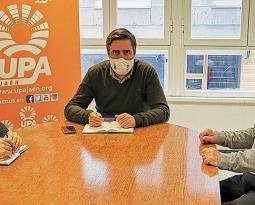 UPA-Jaén se compromete con el Banco de Alimentos en la campaña «Un productor, un litro»