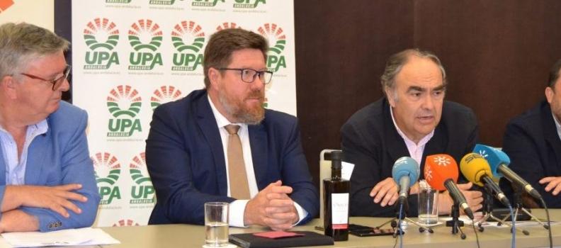 UPA Andalucía, Dcoop y la Consejería de Agricultura analizan el sector del aceite de oliva