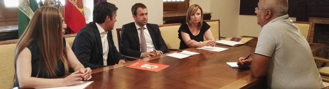 """El alcalde defiende la capitalidad del aceite para Jaén como sede de organismos y respalda las demandas para un precio """"justo"""" del aceite"""