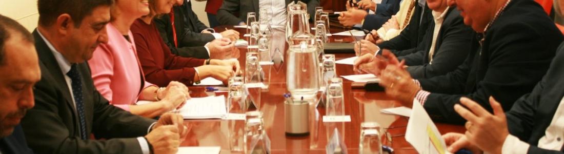 UPA confía que los precios del aceite de oliva en origen no bajen de los tres euros el kilo