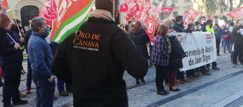 Sin acuerdo una nueva reunión del convenio del aceite de Jaén al proponer la patronal una subida salarial de otra décima