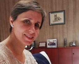 La delegada de Agricultura respalda las medidas de autorregulación, almacenamiento y el trabajo con Competencia para frenar la caída de los precios del aceite de oliva en origen