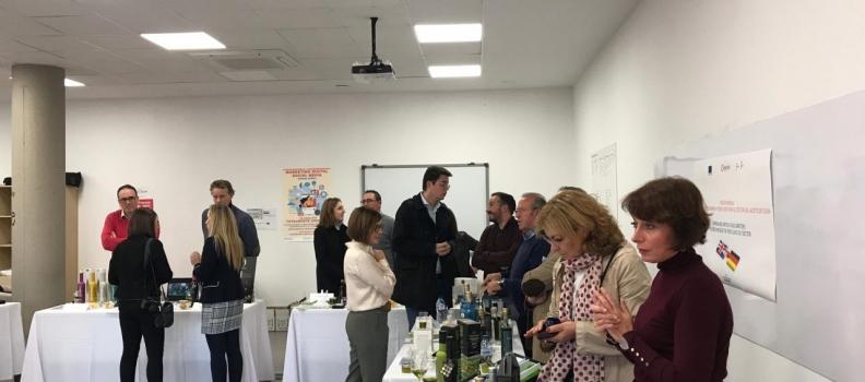 Una decena de periodistas e «influencers» de Reino Unido y Alemania conocen el AOVE temprano jiennense