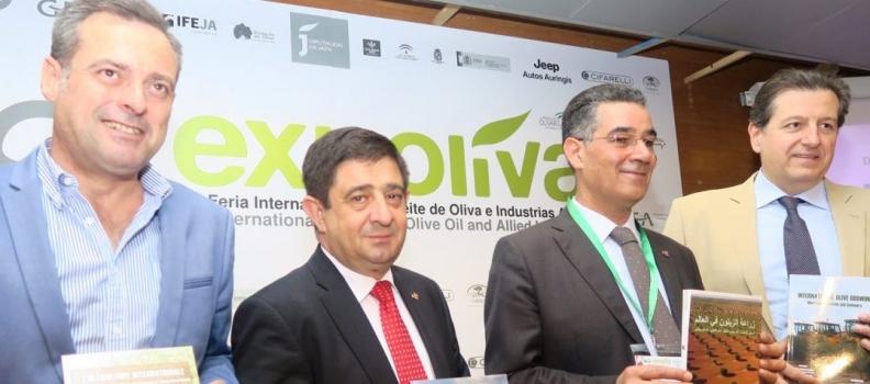 """Presentado el libro «La olivicultura internacional"""", publicación que se ha traducido a seis idiomas"""