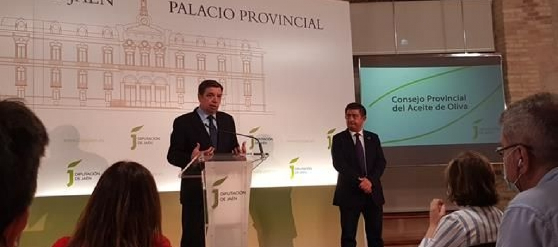 """Planas presenta al Consejo Provincial del Aceite de Jaén el decálogo de """"medidas concretas de acción"""" para el sector del olivar"""