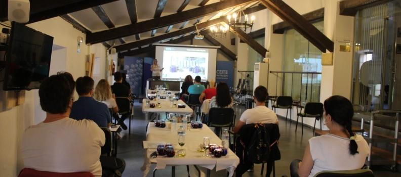 El Centro de Interpretación Olivar y Aceite acoge un curso de sumiller de AOVEs destinado a profesionales de la hostelería
