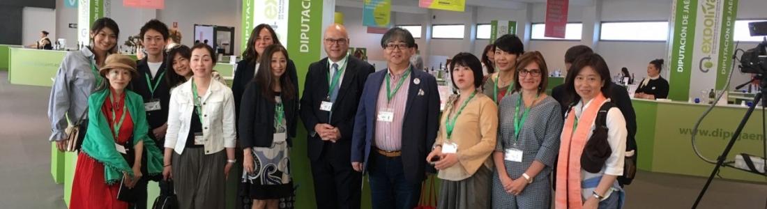 """Prescriptores gastronómicos japonenses """"se empapan"""" del aceite de oliva en una misión comercial de Expoliva"""