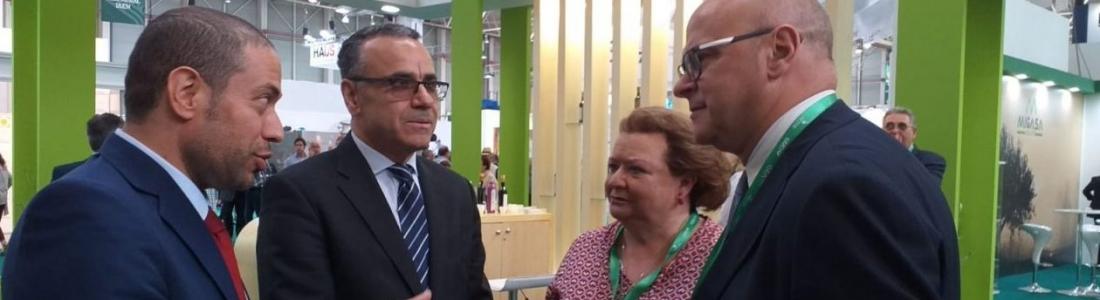 Pilar Parra da la bienvenida a las embajadas y delegaciones comerciales presentes en Expoliva 2019