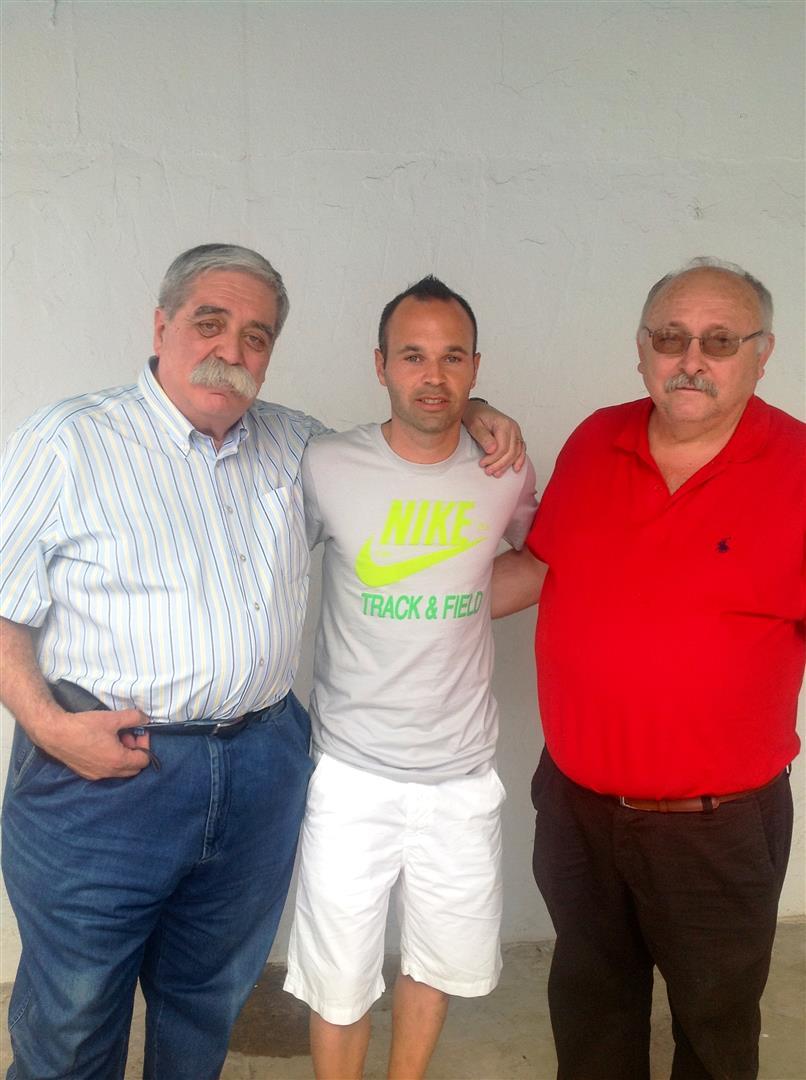 Carboneros será la sede de la Asociación de Municipios con Gastronomía Solidaria, que apoya el futbolista Andrés Iniesta