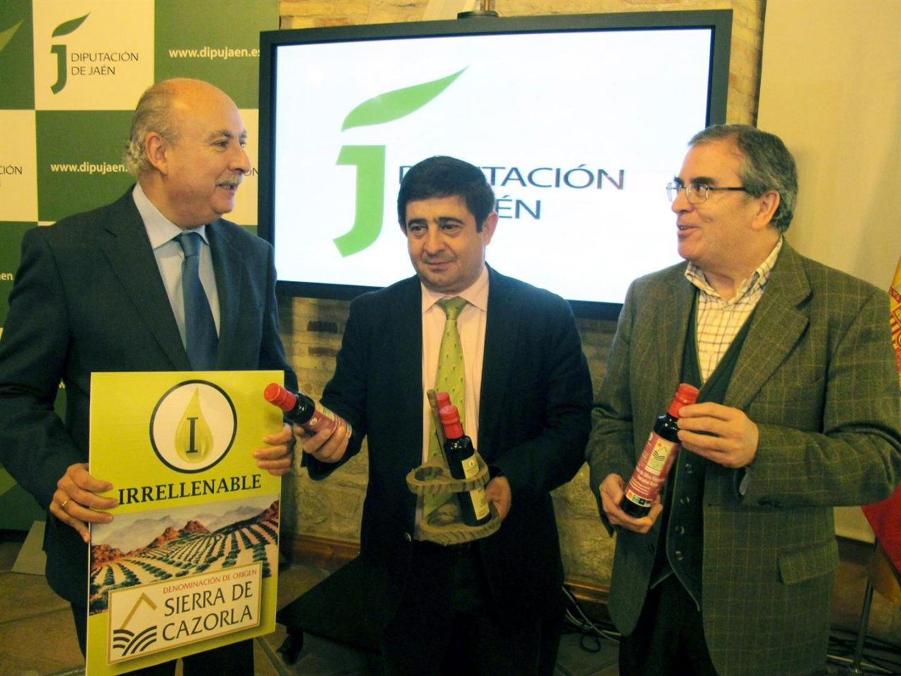 La DO Sierra de Cazorla promocionará el uso de aceiteras irrellenables con su reparto en establecimientos hosteleros