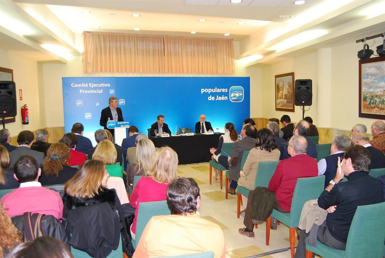 Fernández de Moya afirma que Andalucía ha dejado sin ejecutar más del 50% del dinero destinado a desarrollo rural en el periodo 2007-2013