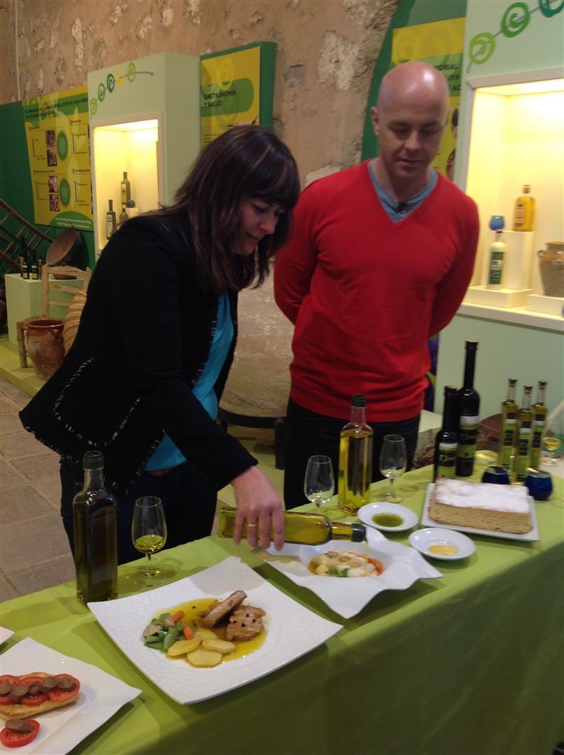 El programa de televisión «Fabricando: made in Spain» selecciona la comarca de la DOP Priego de Córdoba para dar a conocer cómo se elabora el aceite de oliva