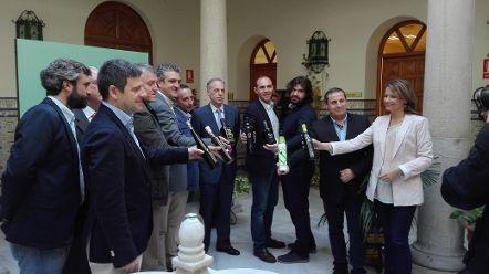 Ana Cobo destaca la excelente producción de los aceites ganadores de los Premios Terra Oleum a la Calidad
