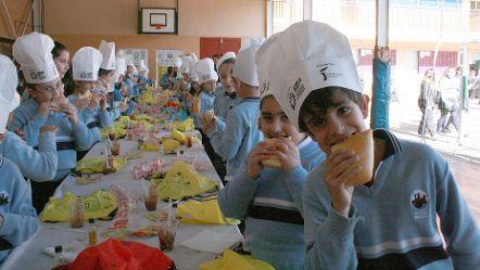 La UPA y la Diputación de Jaén llevan las bondades del aceite de oliva virgen extra a los alumnos de colegios de Málaga y Córdoba