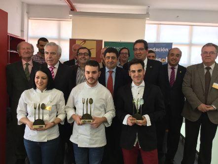 Daniel León, de Sevilla, gana el II Concurso Andaluz de Jóvenes Cocineros