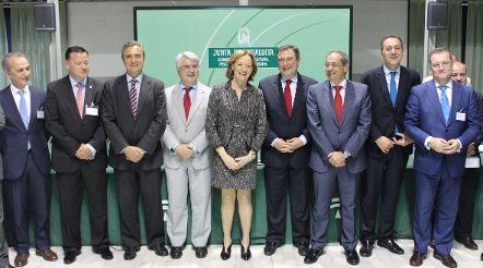 La Junta firma un convenio con entidades financieras para facilitar préstamos favorables a jóvenes agricultores